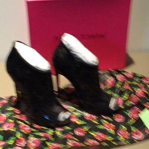 Women's Sparkly Black heeled Booties